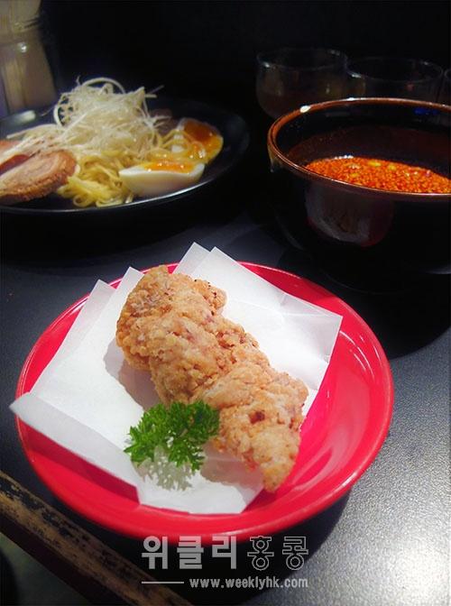 ▲ 이 집의 명물 닭튀김. (HK$16)