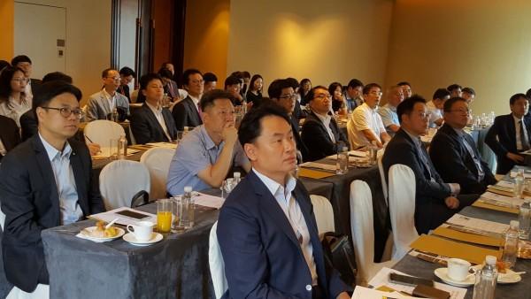 ▲ 주홍콩총영사관이 주최하고, 홍콩한인상공회가 주관한 40여 명의 홍콩진출 한국기업 및 한인상공회 회원 등 40여 명이 참석해 100세시대, 미래 바이오산업에 높은 관심을 보였다.