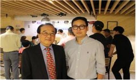(사진왼쪽) 한국외식산업진흥원 변기효 원장, (사진오른쪽) 홍콩한인요식업협회 한승희 사무국장