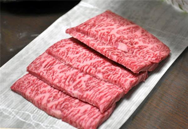 와규 쇠고기 (WAGYU BEEF)