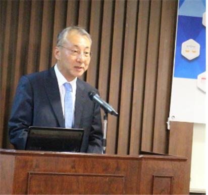 김원진 총영사가 인사말을 전하고 있다.