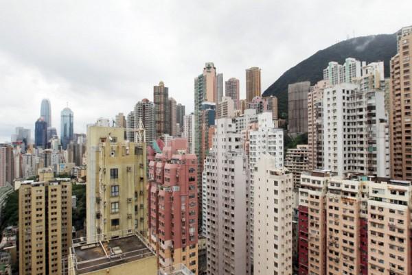 ▲ 부동산 분석가들은 주택 가격의 하락이 향후, 몇 개월 간 가속화 될 것으로 전망했다. (사진=scmp)