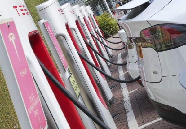 ▲ 타이포 과학 공원에 설치된 전기 자동차 충전소 (사진=scmp)