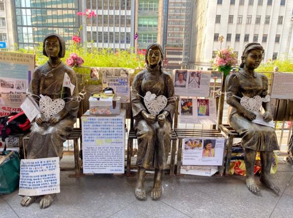 ▲ 소녀상 왼쪽부터 한국, 중국, 필리핀